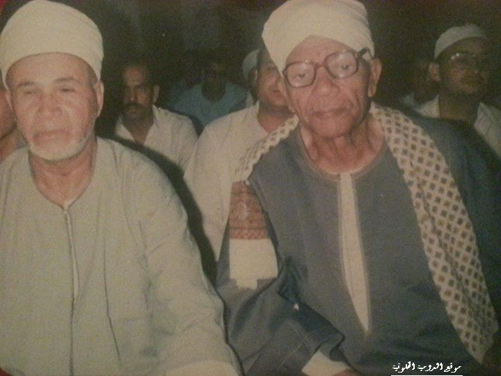 جدى الحاج عبد النعيم عقال ووالدى فضيله الشيخ أبو بكر عبد العليم بالمنشاة